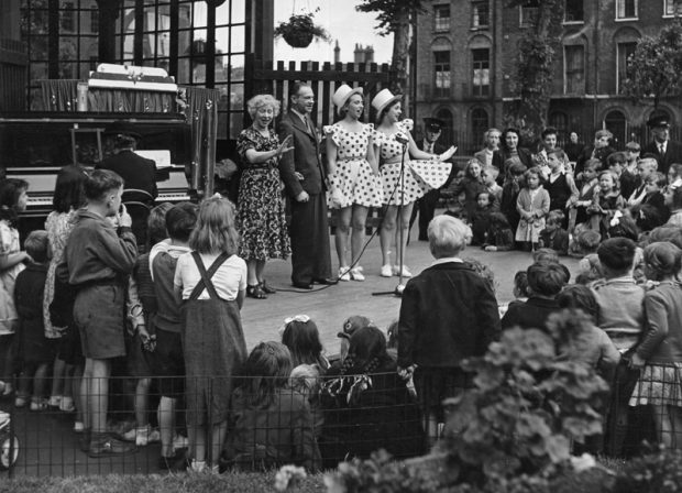 Openair performance. Image credit: Islington local history collection