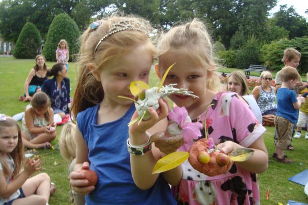 Being inspired to create Bog Babies in Crow Nest Park, Dewsbury. Photo credit: Kirklees Libraries